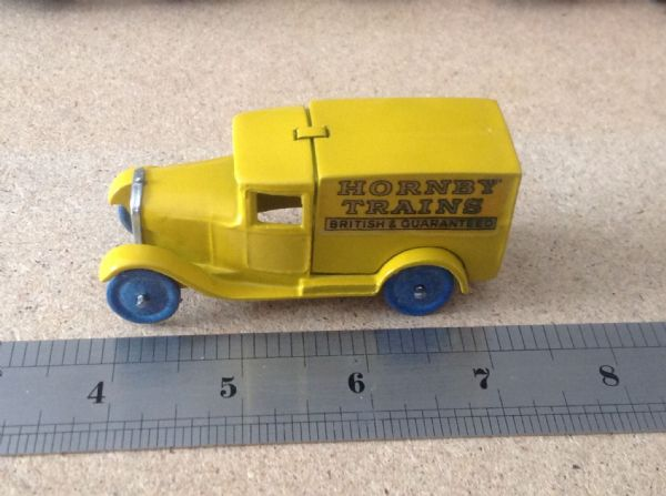 "Dinky Toys copy model 28 Series Type 1 Delivery Van ""Hornby Trains"" in Yellow"